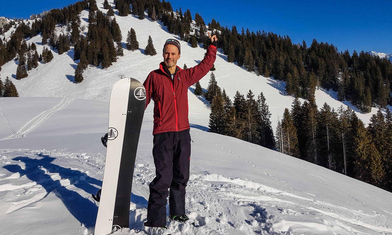 Mike Weibel auf Snowboard-Tour